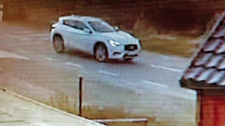 Kierowca auta odjechał z miejsca zdarzenia w kierunku Kazunia /Policja w Radomiu /domena publiczna