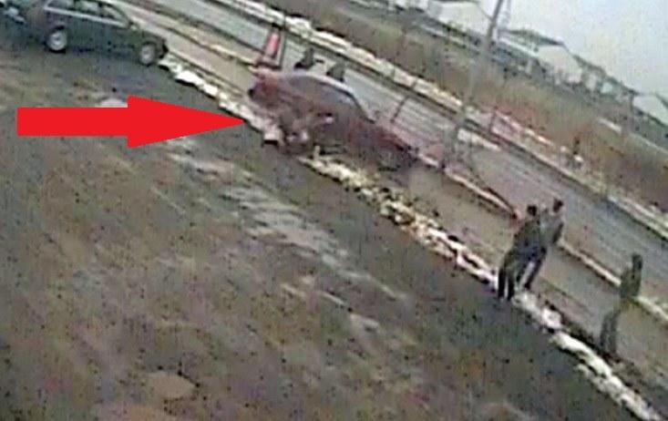 Kierowca BMW potrącił dwóch gimnazjalistów /
