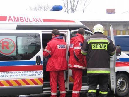 Kierowca BMW zmarł w karetce, w drodze do szpitala /RMF