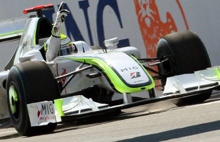 Kierowca Brawn GP po raz kolejny kończył wyścig w świetnym humorze /AFP