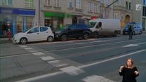 Kierowca busa się zagapił, uszkodził trzy samochody