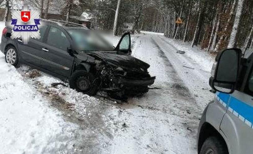 Kierowca był poszukiwany, nie miał prawa jazdy, a samochód - przeglądu i OC /Policja