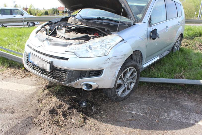 Kierowca był trzeźwy, ale w żaden sposób nie reagował na to, co się działo /Policja