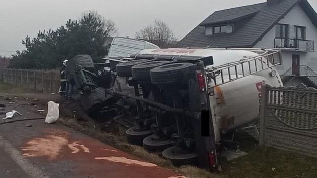 Kierowca ciężarówki zmarł mimo długiej reanimacji /Policja