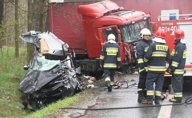 Kierowca hondy zginął na miejscu / Fot: Piotr Twardysko /Reporter