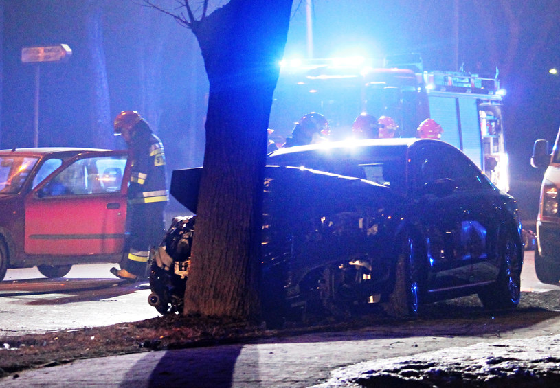 Kierowca limuzyny premier zeznał, że jechał z prędkością 40-50 km/godz. /Łukasz Patrzyk /Agencja FORUM