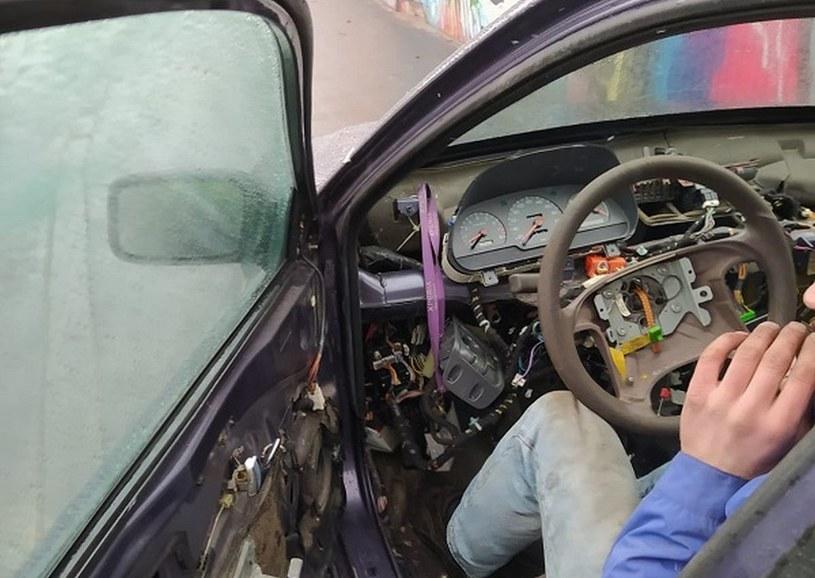Kierowca miał sądowy zakaz prowadzenia pojazdów /Policja
