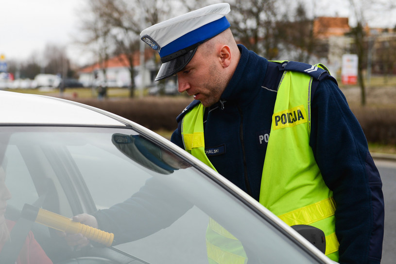 Kierowca nie tylko był pijany ale nie miał prawa jazdy (fot. ilustracyjne) / Adam Staśkiewicz  /East News