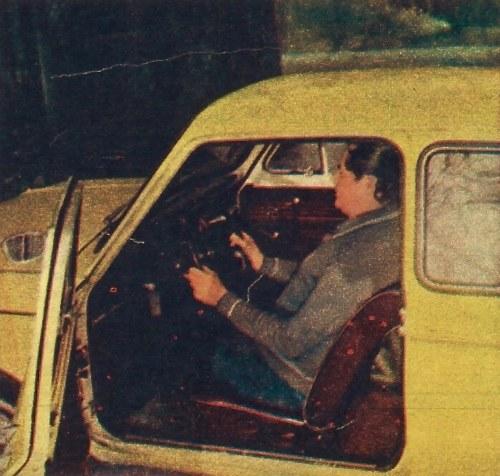 Kierowca o wzroście 1,75 m na fotelu całkowicie cofniętym do tyłu. Odległość od oparcia do kierownicy mogłaby być większa ale daje się to zrealizować tylko przez przerobienie szyn siedzenia. /Motor