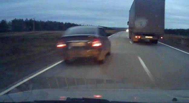 Kierowca Opla Astry wyraźnie zdenerwował prowadzącego auto z kamerą /