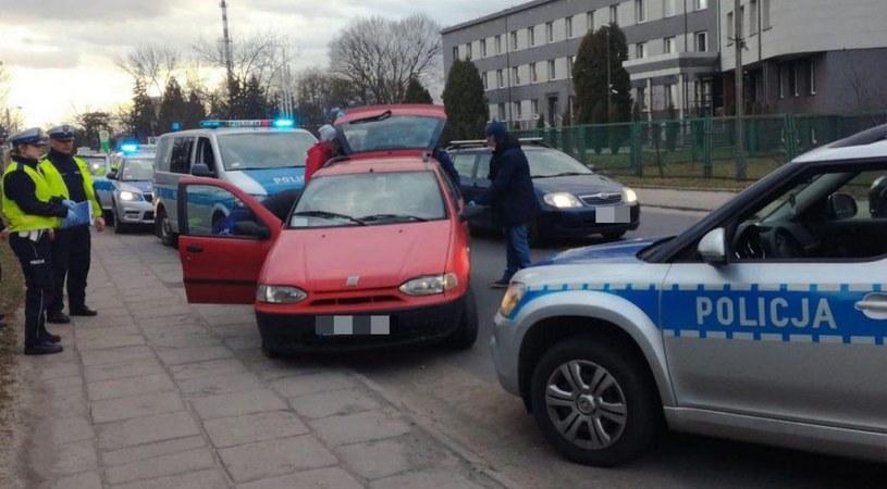 Kierowca uciekał fiatem palio /Policja