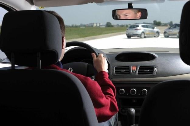 Kierowca w czasie jazdy przetrwarza 1320 informacji na minutę /