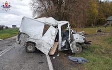 0007OJ6V1F1VC3DM-C307 Kierowca wypadł z samochodu...