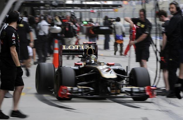 Kierowca zespołu Lotus-Renault, Niemiec Nick Heidfeld /AFP