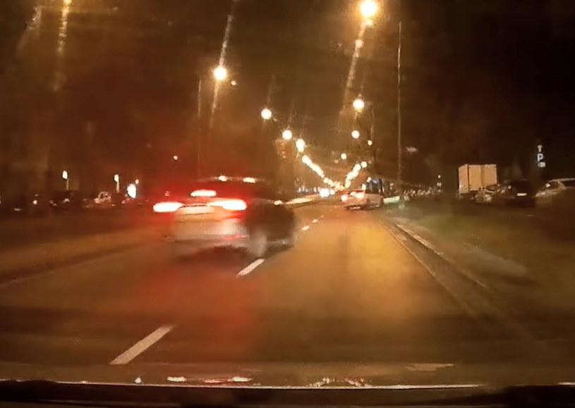 Kierowcy być może się znali i razem jechali bardzo szybko /