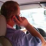 Kierowcy nagminnie rozmawiają przez komórkę