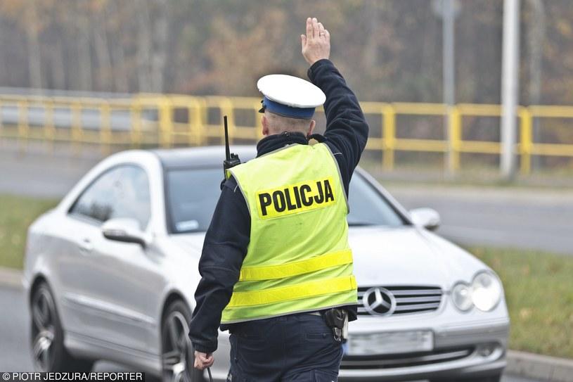 Kierowcy płacili nie za prędkość, ale ostrzeganie przed kontrolą /Piotr Jędzura /Reporter