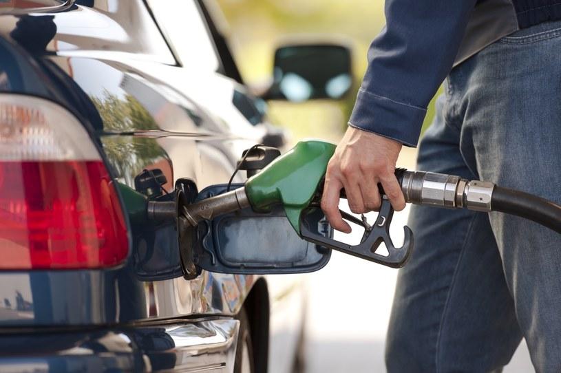 Kierowcy powinni przygotować się na większe wydatki na stacjach /©123RF/PICSEL