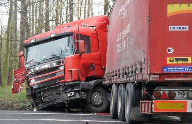 Kierowcy tira nic się nie stało / Fot: Piotr Twardysko /Reporter
