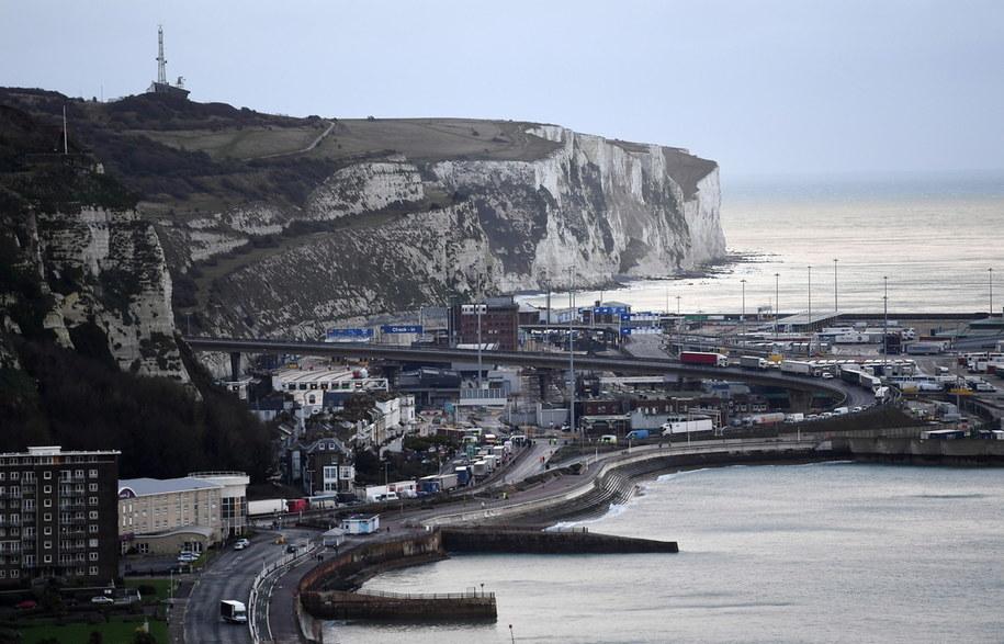 Kierowcy transportowi utknęli w kolejce przed portem Dover w Dover w Wielkiej Brytanii / ANDY RAIN    /PAP/EPA