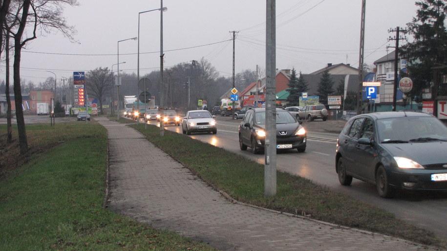Kierowcy w Ostrołęce spędzają godziny w korkach /Monika Gosławska /RMF FM