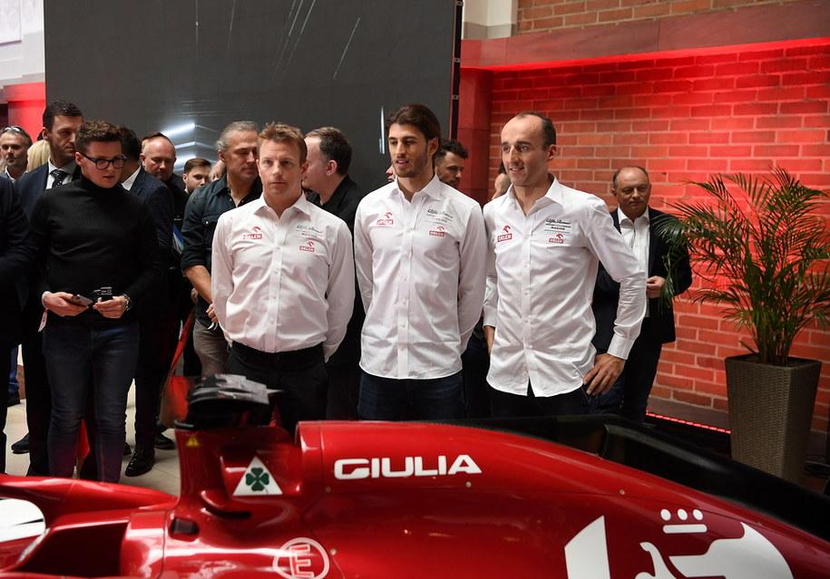 Kierowcy zespołu Alfa Romeo Racing Orlen (od lewej): Kimi Raikkonen, Antonio Giovinazzi i Robert Kubica /Piotr Nowak /PAP