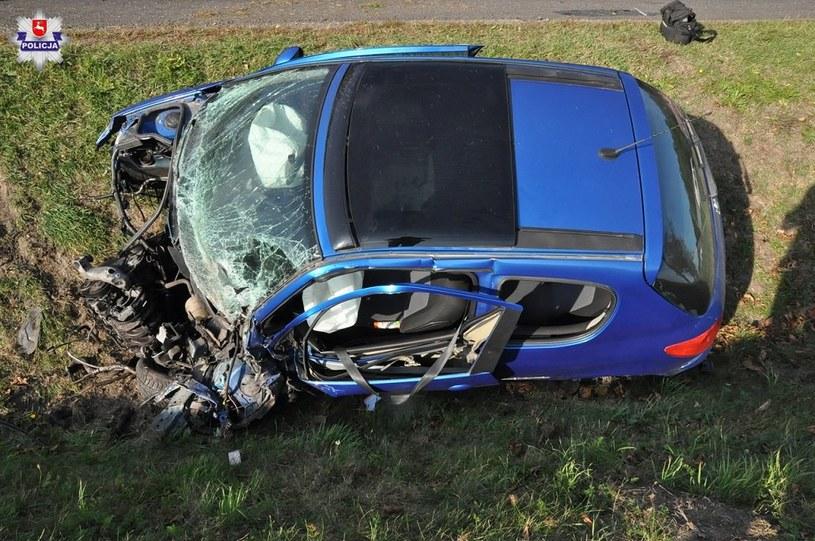 Kierująca autem kobieta została ranna i trafiła do szpitala /