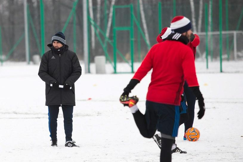 """Kiko Ramirez (z lewej) podczas treningu """"Białej Gwiazdy"""" /Michał Lepecki /"""