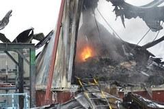Kilka godzin trwało gaszenie pożaru hali w Płocku