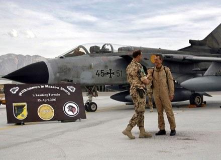 Kilka tygodni temu niemiecki kontyngent wsparty został samolotami. Jeden z nich już utracono... /AFP