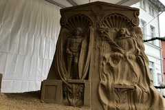 Kilkadziesiąt ton piasku i gliny… Zobaczcie niezwykłą bożonarodzeniową szopkę z Gdańska!