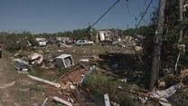Kilkanaście tornad uderzyło na południu Stanów Zjednoczonych. Zginęło co najmniej osiem osób, kilkadziesiąt jest rannych