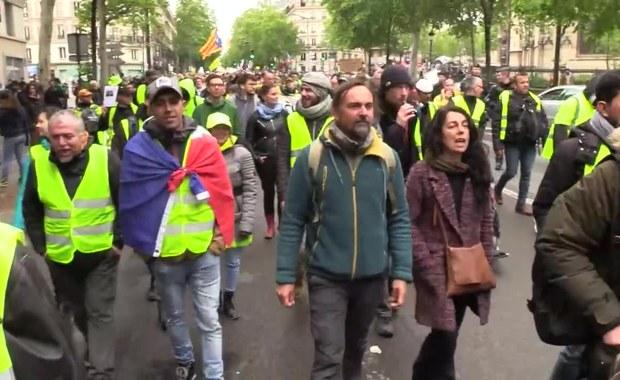 """Kilkanaście tysięcy osób na protestach """"żółtych kamizelek"""" we Francji"""