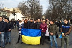 Kilkaset osób na lwowskim Majdanie
