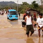 Kilkunastu zabitych, zalane wioski, zniszczone domy. Tajfun Phanfone uderzył w Filipiny