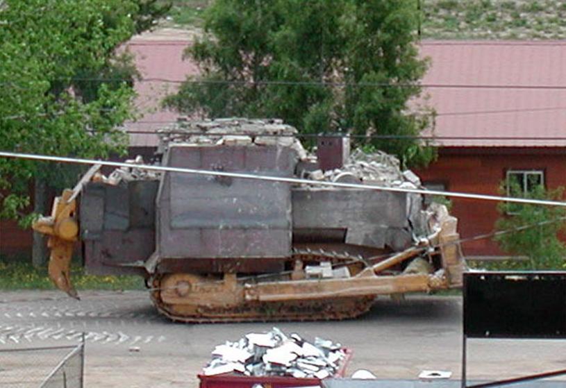 Killdozer przemierzający po ulicach stanu Kolorado /CATHY HARMS/Associated Press /East News