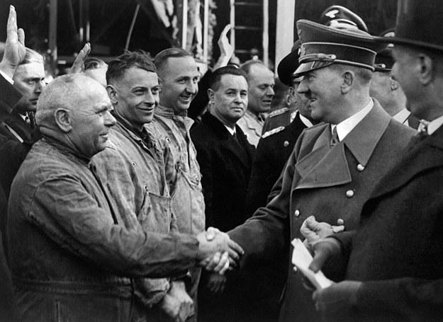 Kim byli ci mężczyźni? Czy także kolaborowali z Niemcami? /AFP