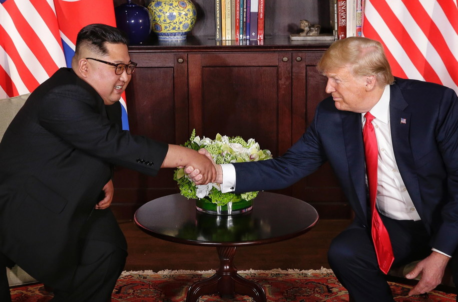 Kim Dzong Un i Donald Trump /KEVIN LIM / THE STRAITS TIMES / SPH /PAP/EPA