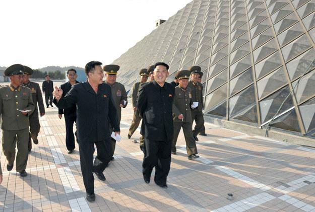 Kim Dzong Un jest w stanie zagrozić Ameryce? /AFP