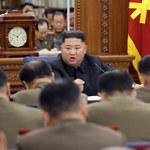 Kim Dzong Un naradził się z dowódcami armii. Za kilka dni upływa termin ultimatum wobec USA