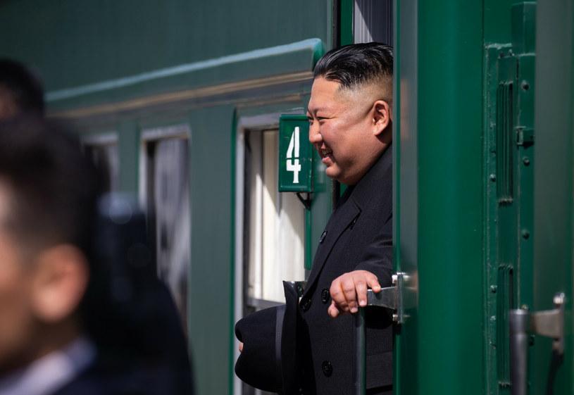 Kim Dzong Un, obecny dyktator Korei Północnej, w 2019 r. przyjechał pociągiem do rosyjskiego Władywostoku /Alexander Safronov/SPUTNIK Russia /East News