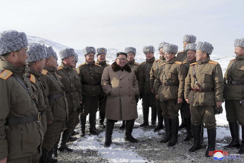 Kim Dzong Un, przywódca Korei Płn. /Korean Central News Agency/Korea News Service via AP /East News