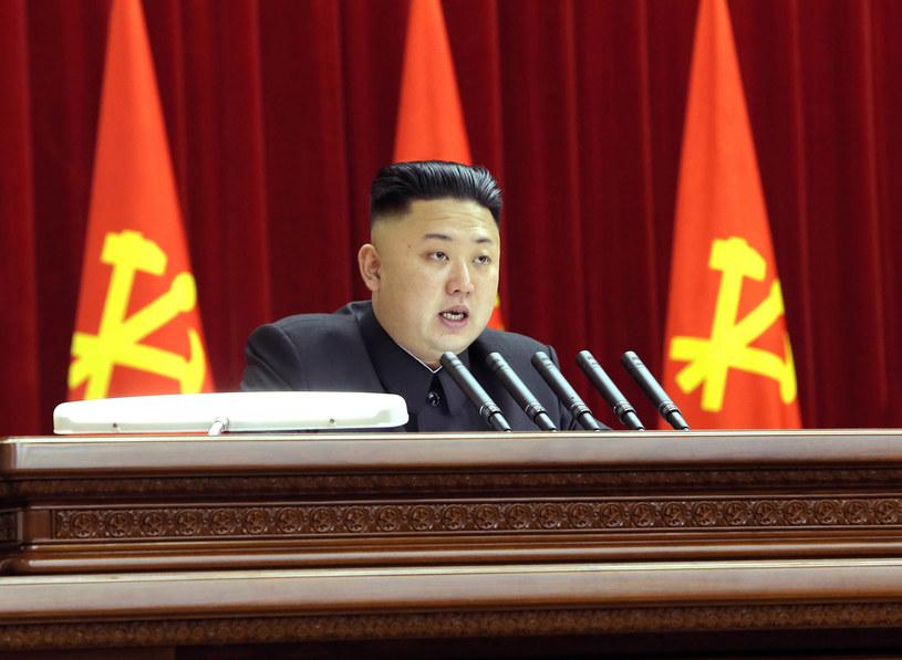 Kim Dzong Un w czasie przemówienia do członków Komitetu Centralnego rządzącej Partii Pracy Korei /AFP