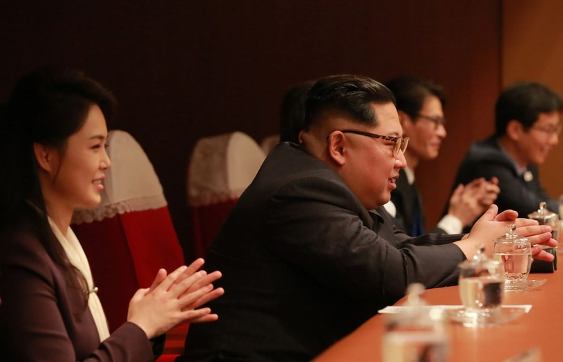 Kim Dzong Un z żoną /AFP /East News