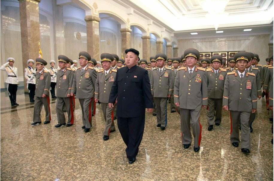 Kim Dzong Un /KCNA / HANDOUT /PAP/EPA