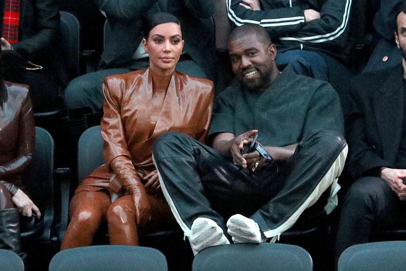 Kim Kardashian i Kanye West się rozwodzą /Pierre Suu
