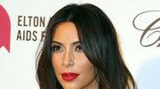Kim Kardashian kusi w bikini