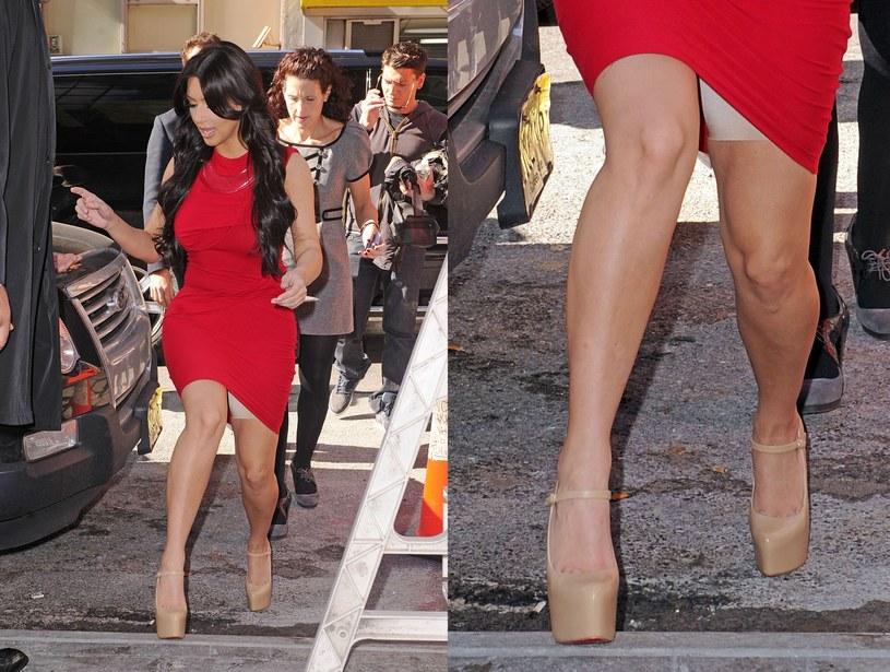 """Kim Kardashian mierzy 159 cm i waży 60 kg. Jej figura budzi wiele zastrzeżeń. """"Bez spanxów nie wychodzę z domu"""", dodaje gwiazda /East News"""