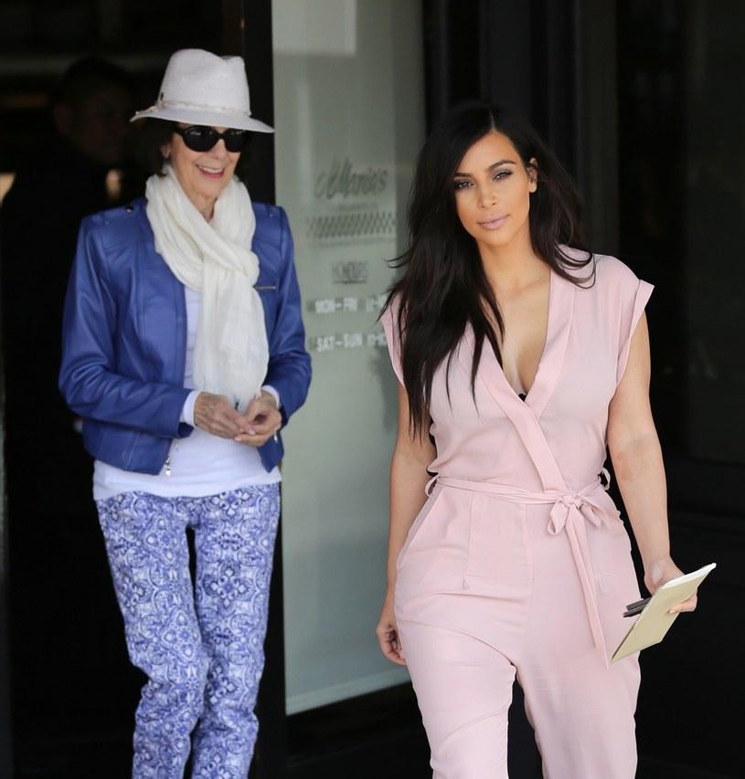 Kim Kardashian z babcią /East News