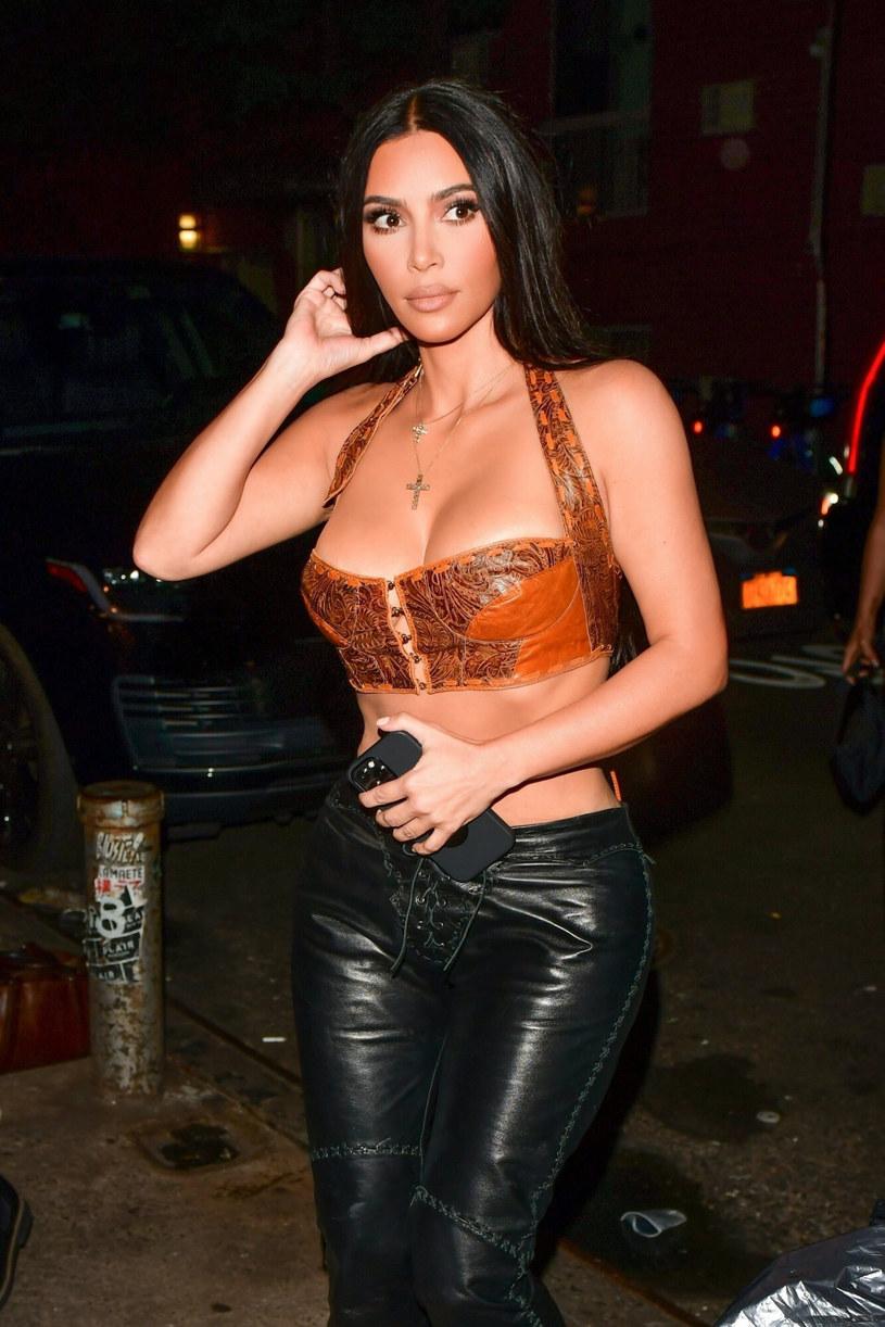 Kim Kardashian zachwyciła seksowną stylizacją /BACKGRID /East News